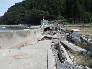 20110928_030旧志津川町南部滝浜