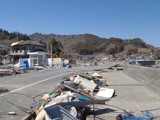 20110406_017雄勝水浜