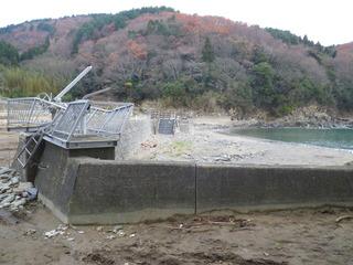 20111206_005雄勝波板
