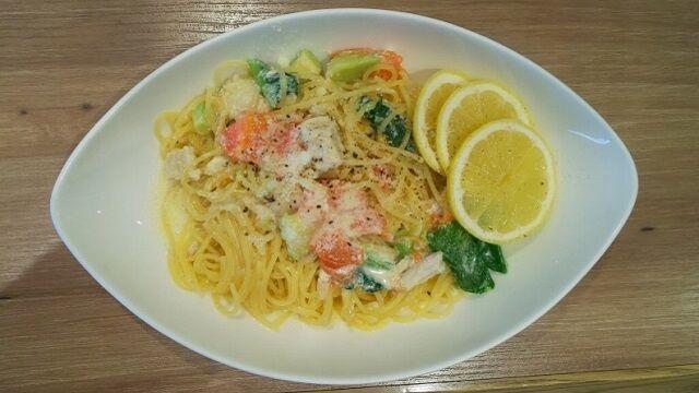 スパゲティ アボカド・鶏ハム・トマトのレモンクリーム 1