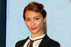 秋元才加(32)女優は差別と発言、ネット上では批判殺到で炎上する事態に