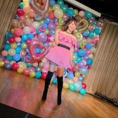 渡辺美奈代、ピンクのミニスカ姿で大反響「ずっと変わらず可愛い」「痛々しい」