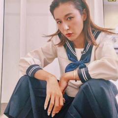 鈴木紗里奈、セーラ服でのヤンキー座りが大不評「相変わらず下品」