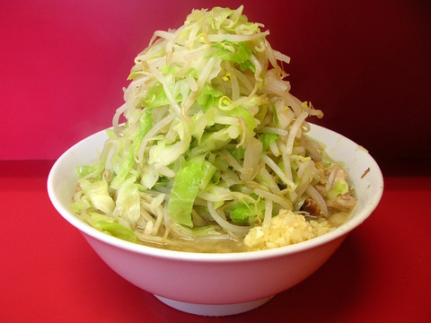 ラーメン二郎にて野菜のみ大盛りって健康に良いのかも
