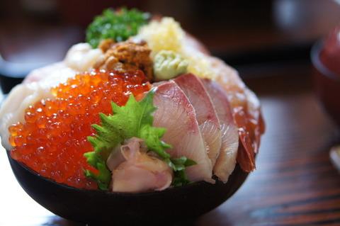 海鮮丼の食べ方