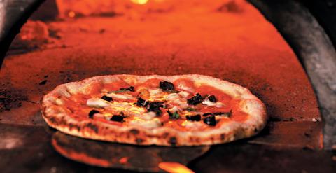 イタリアのピザの値段