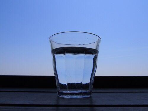 人間「毎日水2L飲んでください」←これ無理すぎるだろ