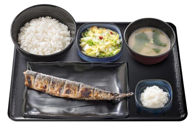 吉野家がさんま定食を提供開始 大根おろしもたっぷり付いてこれが590円!