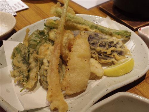 天ぷらって天つゆで食うより塩の方がええよな