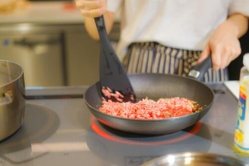日本料理で「炒める」文化が発達しなかった理由wwwwwwww