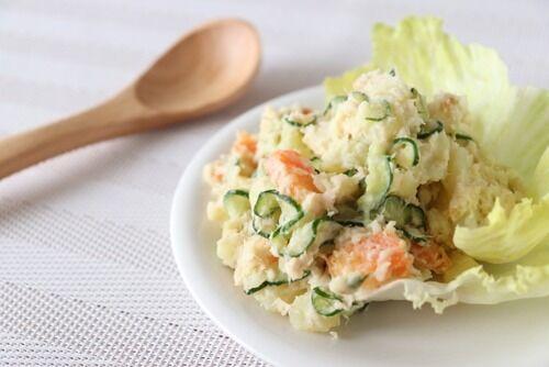【悲報】ポテトサラダの具、無駄な物が多すぎる…まずはタマネギ
