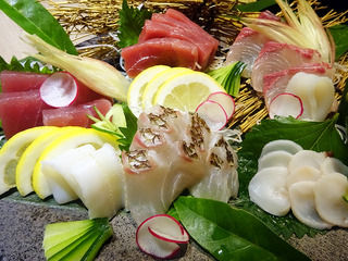 早飲みもOK!鶏&和食の個室居酒屋。「三嶺」@大阪梅田