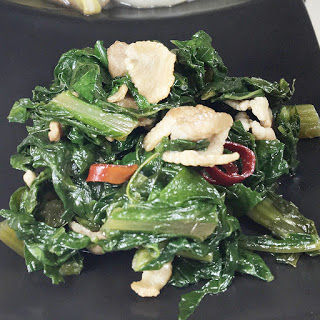 かぶの葉と豚バラの出汁醤油炒め