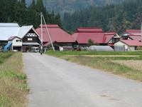田舎の家を走る