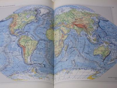 オーストリア世界地図帳RIMG2211
