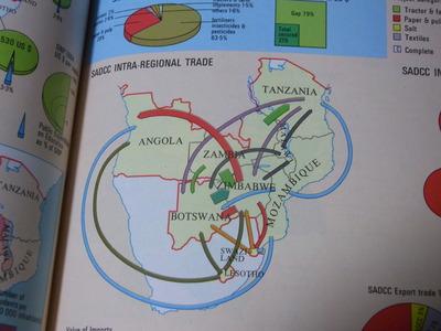 ジンバブエ世界地図帳RIMG2295