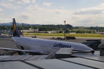 スイス旅行記 チューリッヒ国際空港IMGP3969