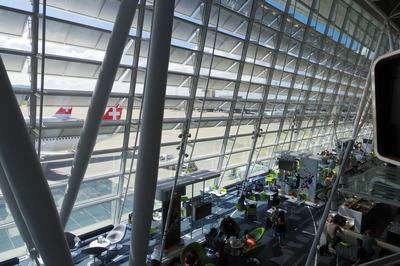 スイス旅行記 チューリッヒ国際空港IMGP3961