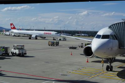 スイス旅行記 チューリッヒ国際空港IMGP3963