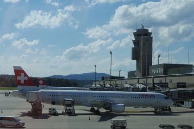 スイス旅行記 チューリッヒ国際空港IMGP3962