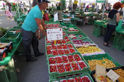 スイス旅行記 チューリッヒ 朝市 観光IMGP3872