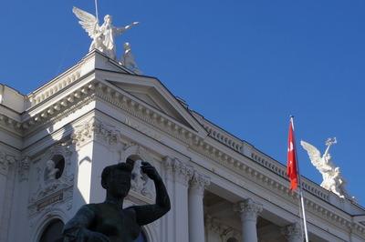 スイス旅行記 チューリッヒ オペラ座 観光IMGP3852
