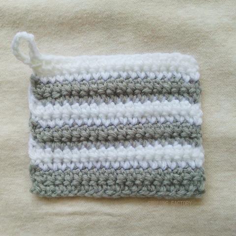 アクリル毛糸で作る、アクリルタワシ。