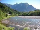 梓川と明神岳