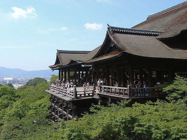 640px-Kiyomizu_Temple_-_01