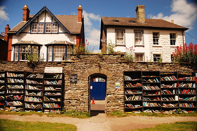 640px-Hay_on_Wye_Bookshop2