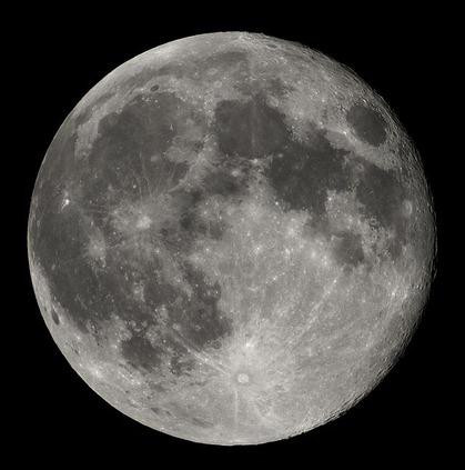 640px-Full_Moon_Luc_Viatour