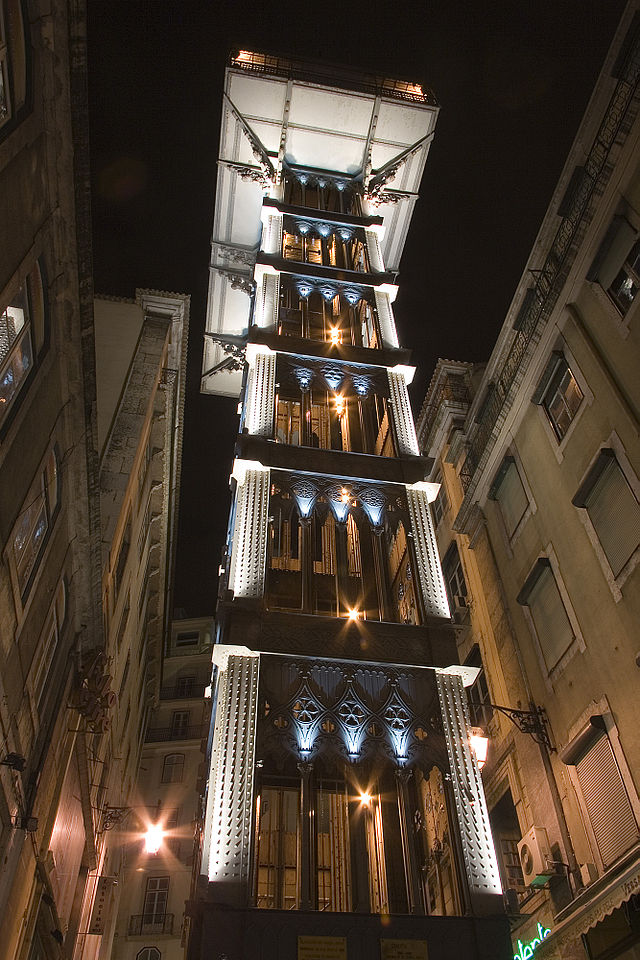 Lisbon_(Lisboa)_historic_elevator_Santa_Justa_Luca_Galuzzi_2006