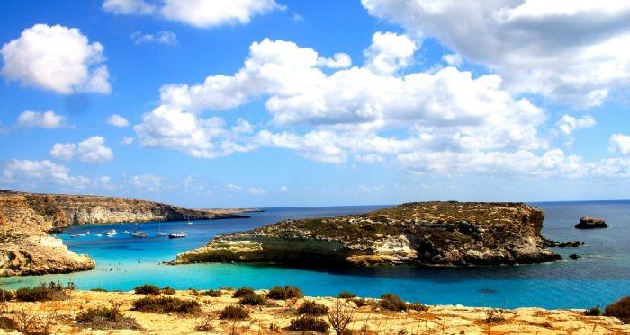 ランペドゥーザ島の海岸