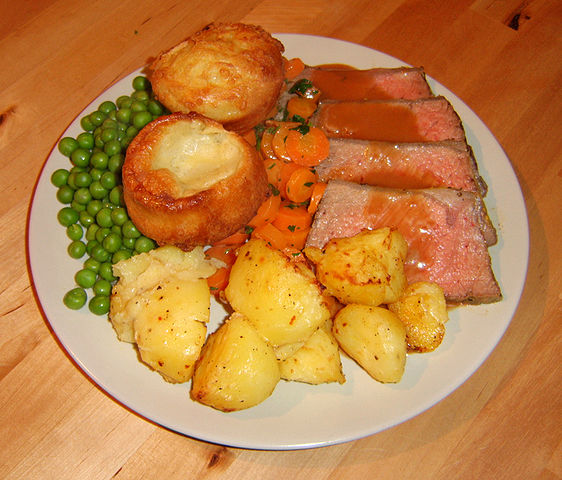 562px-Roastbeef_with_yorkshire_puddings