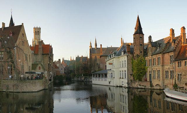 640px-Rozenhoedkaai_Brugge