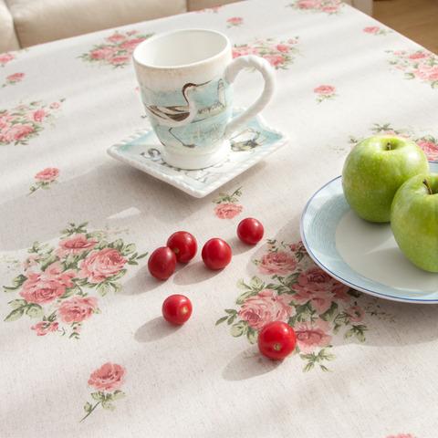 花柄ピンクのテーブルクロス2