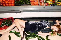 Sisley-Fall-2010-Ad-Campaign-220710-6