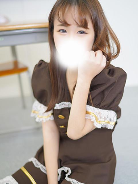 girl_5e859df788e200.05406496_480x640