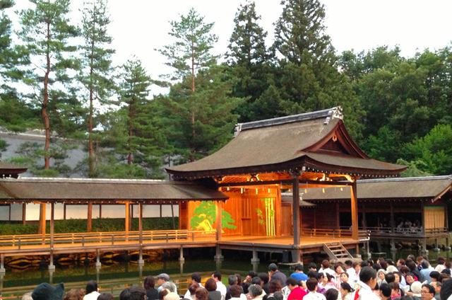 み そぎ 神社 ゆず 身曾岐神社「ゆず」の北川悠仁さんと高島彩さんが挙式をした能楽殿
