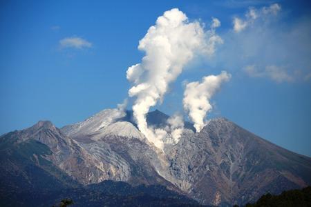 Mount_Ontake_from_Kurakake_Pass