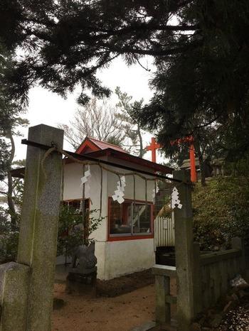 ... 六甲山神社(むこやまじんじゃ