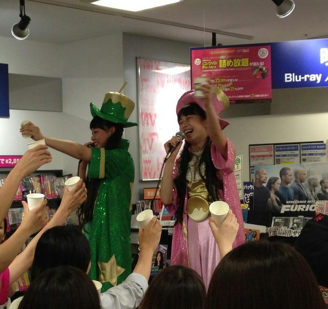t2015_05_20_a_HMV_Osaka01