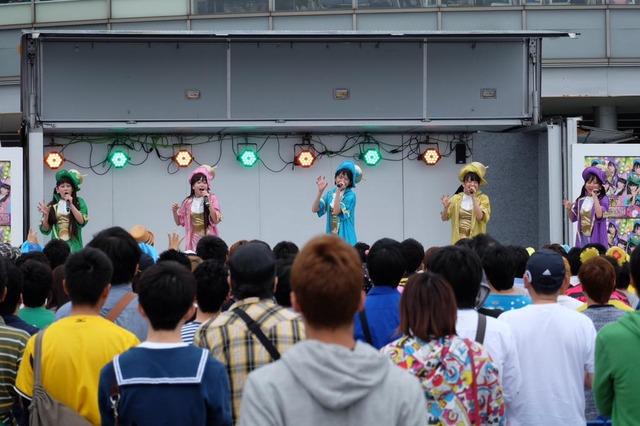 t2015_05_16_a_taco_staff11