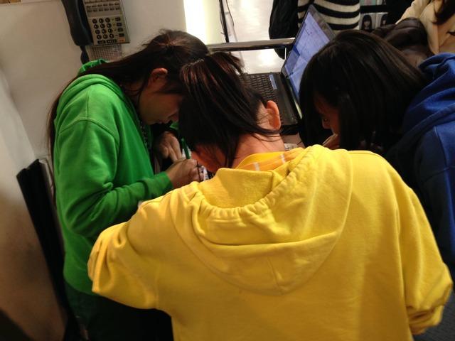 t2015_03_28_a_HMV_Sapporo02
