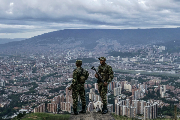 Colombian soldiers_outskirts of Medellin