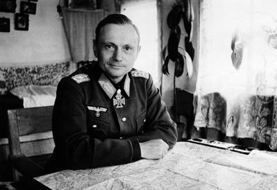 1943_Hermann_Balck