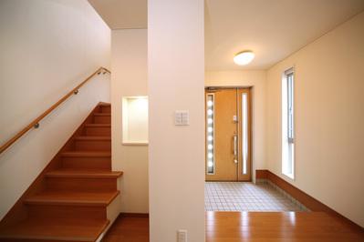 玄関ー階段