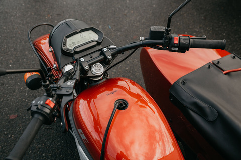 Ural-Electric-Lifestyle-6[1]