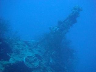 チューク諸島に沈んでいる伊169号