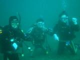 水中の中で砂地からの泳ぎ出しの練習の前に!